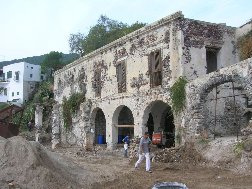 Progetto per il restauro conservativo di un complesso for Restauro conservativo